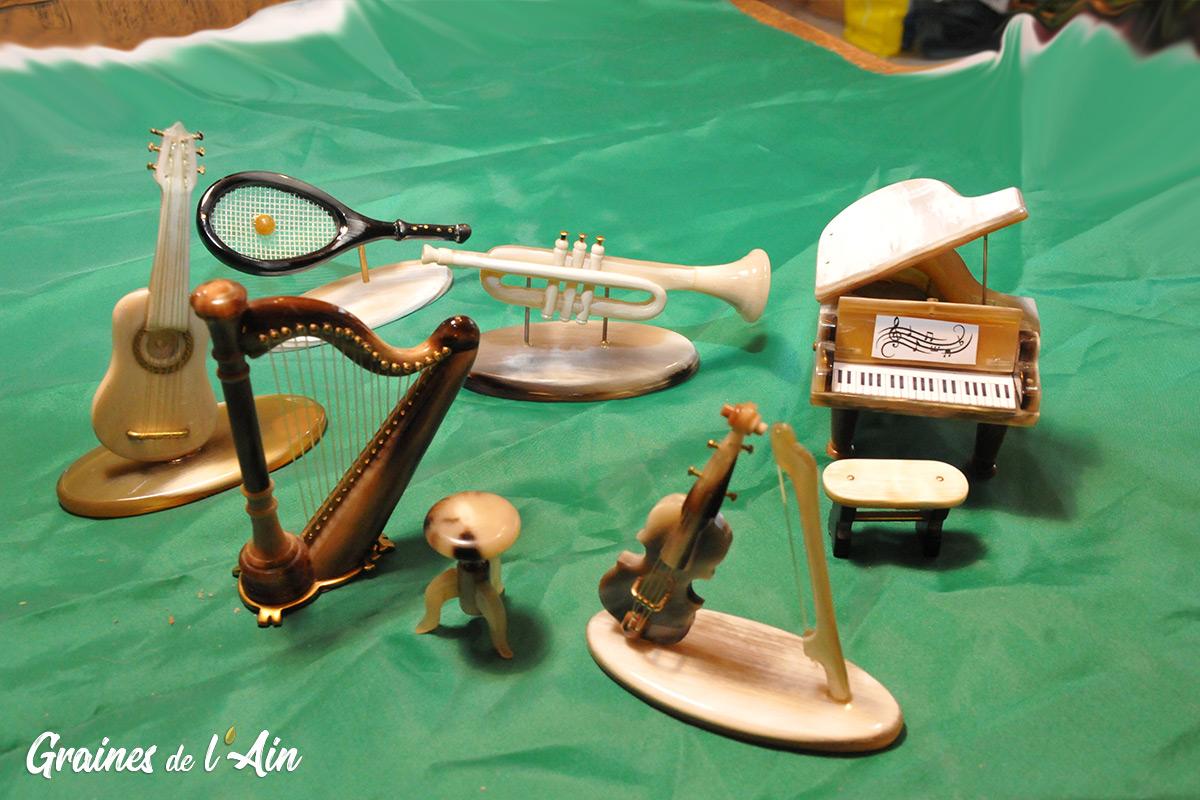 Michel Muyard Artisans sur corne à Jeurre - Magazine Graines de l' Ain